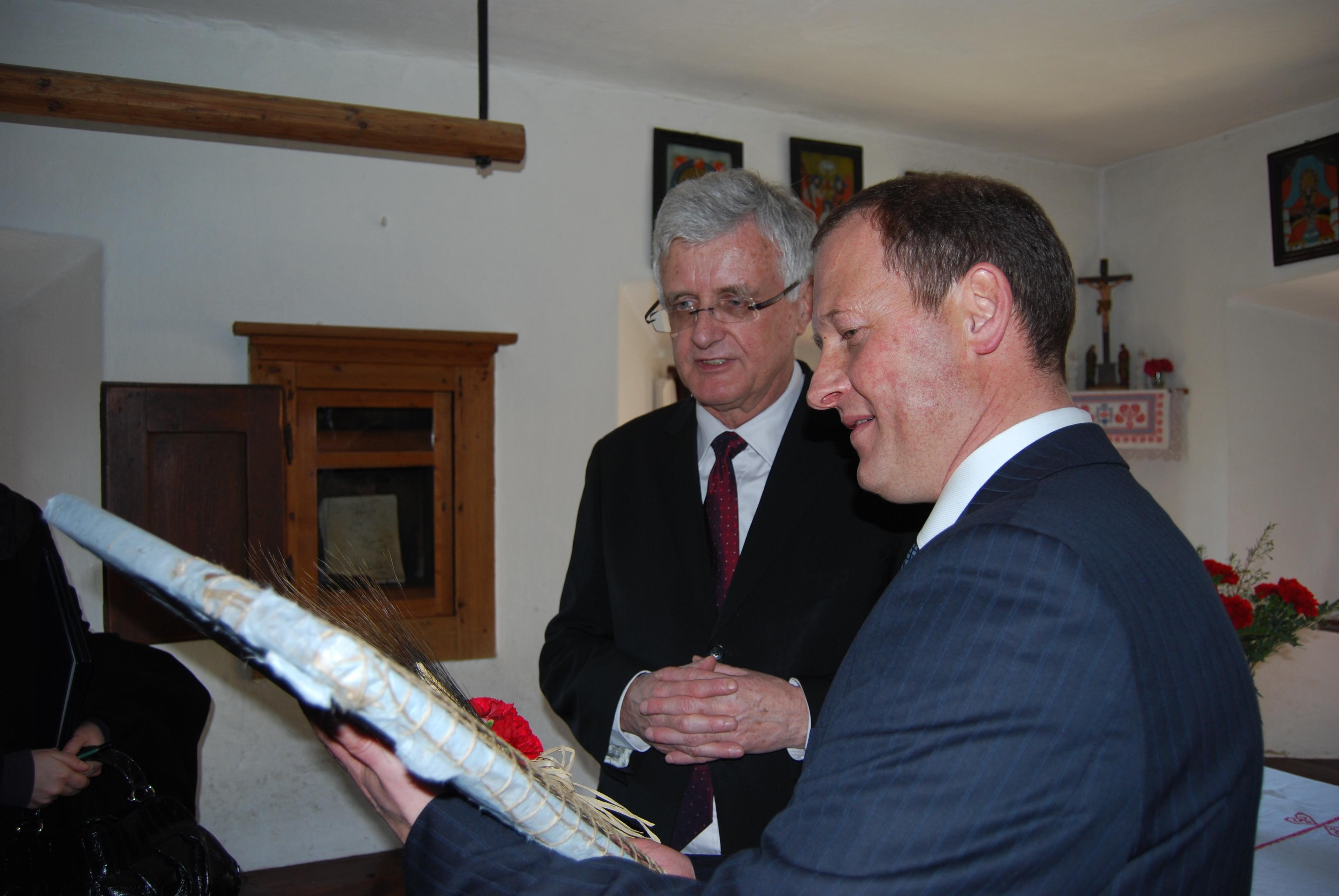 Februar 2011 730